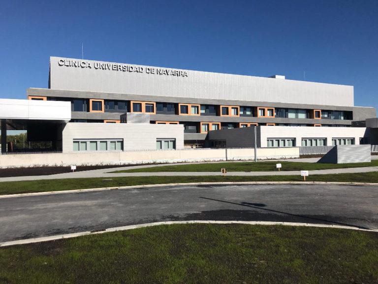 Clínica Universitaria Navarra, Madrid · Naturpiedra JBernardos · Foto 1 · Anclajes Fachadas Ventiladas Strow