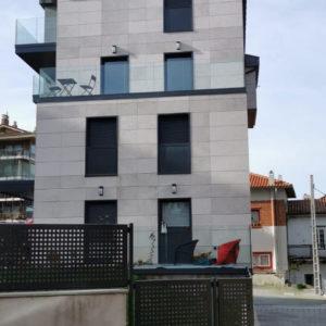 Edificio de Viviendas en Algorta · Mármoles Zamar · Foto 2 · Anclajes Fachadas Ventiladas Strow