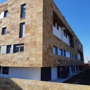 fachada-piedra-oro-los-tempranales-naturpiedra20