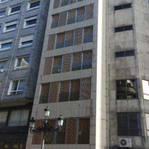 Viviendas Calle Colón, Vigo · Euromontajes Caver · Foto 1 · Anclajes Fachadas Ventiladas Strow