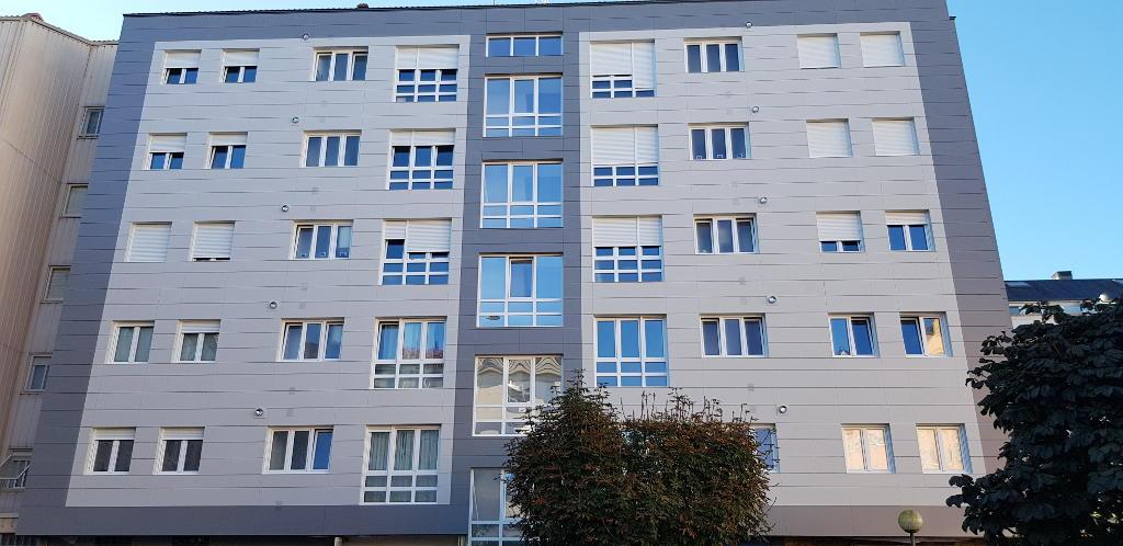 Edificio de Viviendas en Carballo · Marmolería José Rey · Foto 1 · Anclajes Fachadas Ventiladas Strow